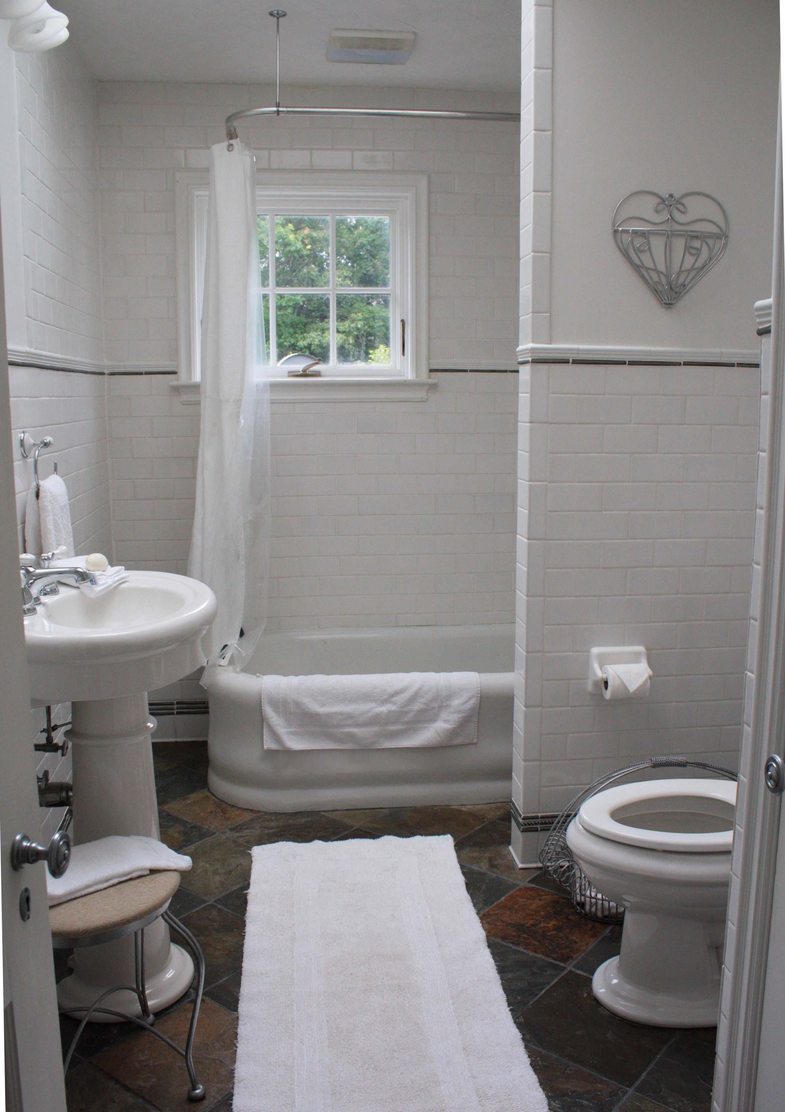 Garden Room Bath