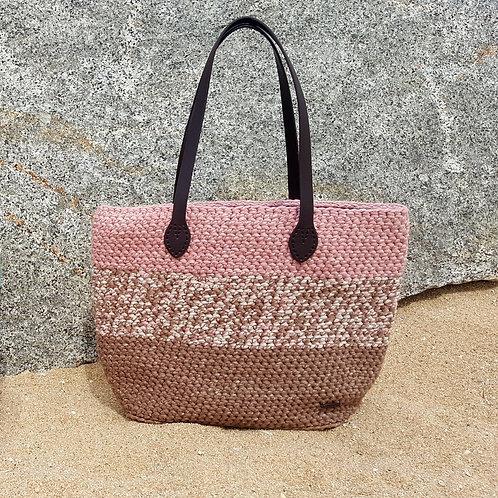 GEMbag ZARA en colores marrón, rosa palo y estampado.