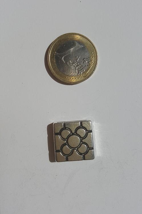 Flor cuadrada 2 cm