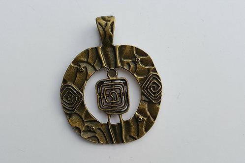 Pieza en forma de manzana de 7 cm en bronce