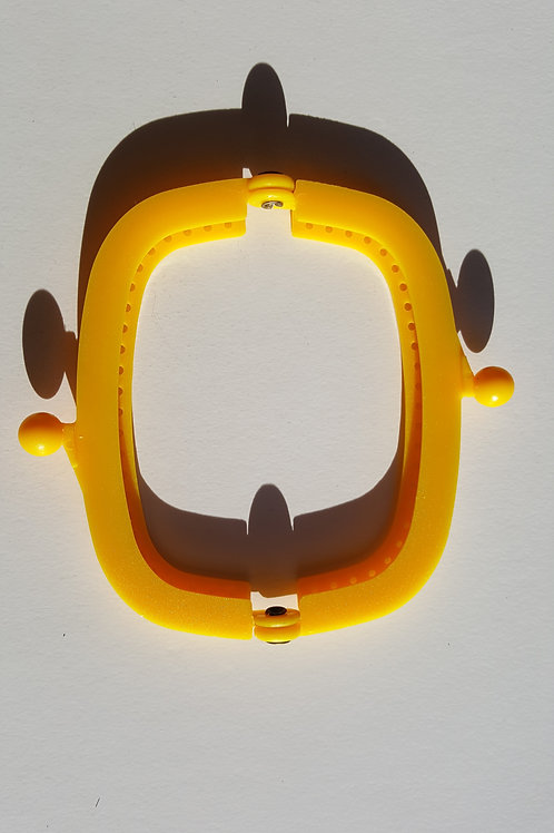 Cierre boquilla de plástico de 8.5 cm de color AMARILLO