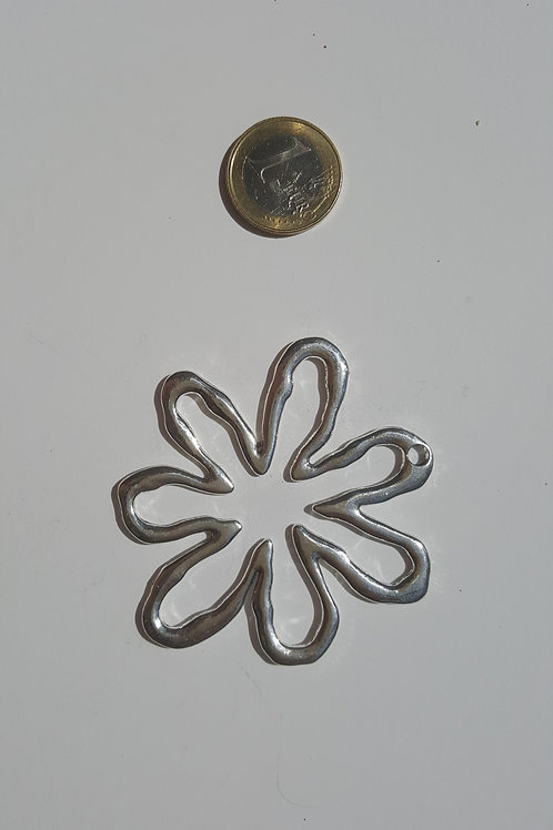 Flor estrella color plata 7.5 cm