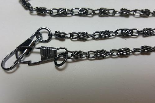 Asa cadena de 1.20 metros color negra de anillas de 1 cm en forma retorcida.
