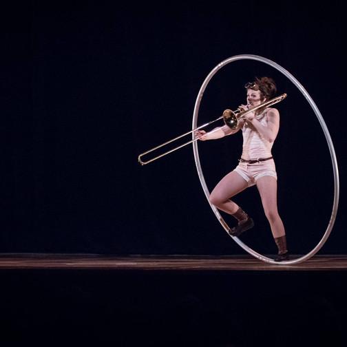 Aude - artiste de cirque