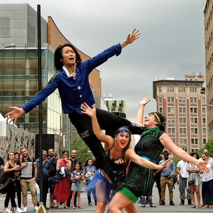 Trio acrobates Brillantines
