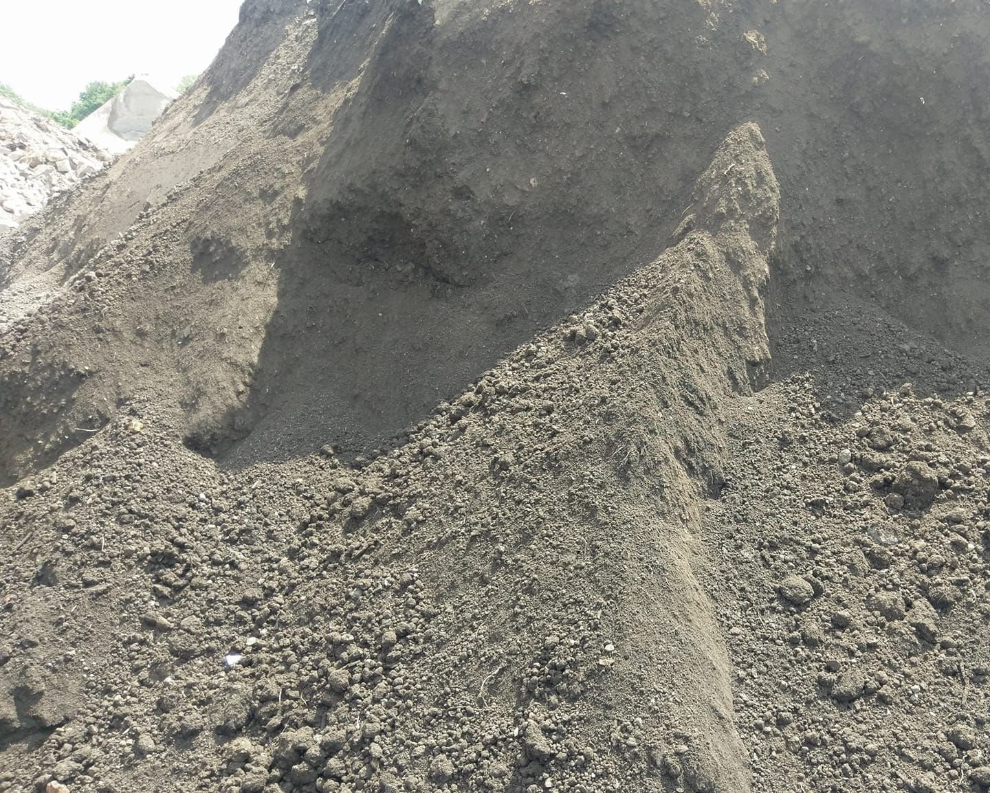Screened Topsoil 2T delivered