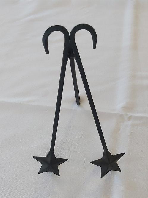 Black star easel