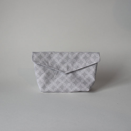 Small Popper Pouch - Light Grey Geometric