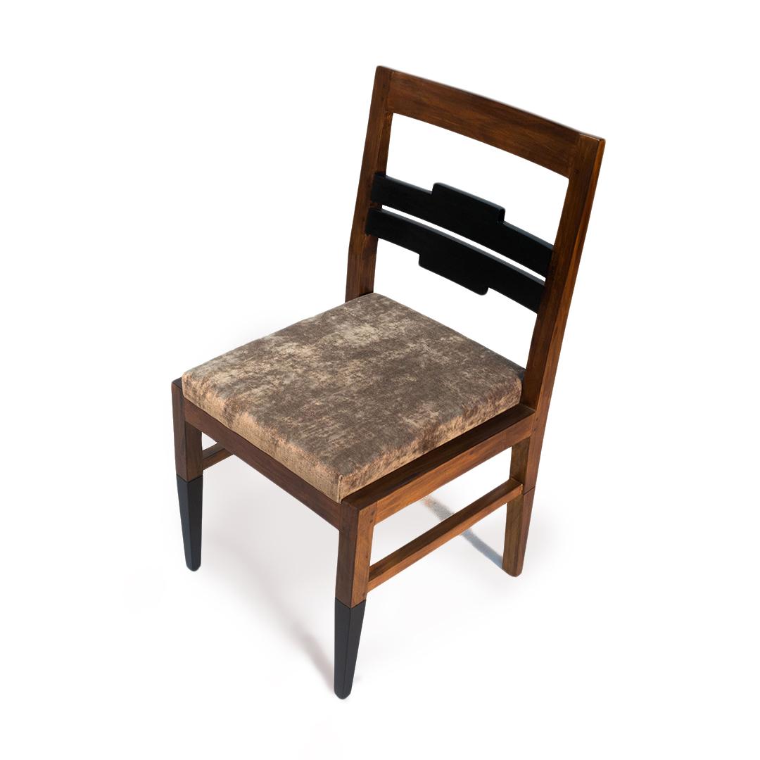 Corbel chair