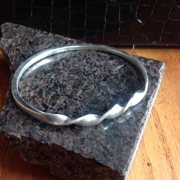 twistedsilverbangle.jpg