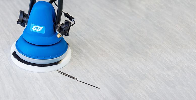 Melamine Pad removing scruff marks on hospital floor
