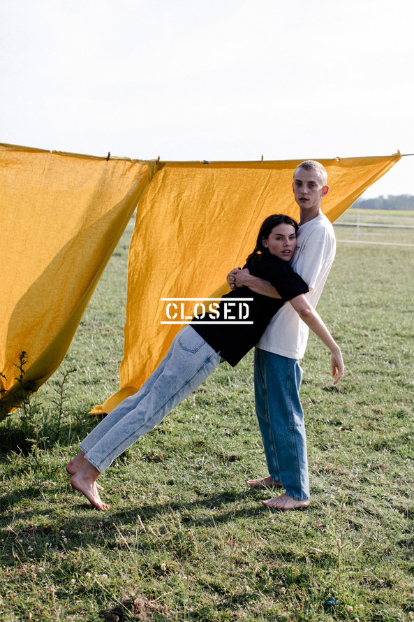 closed | elsakuno photo assistant & props | photographer: marlen mueller