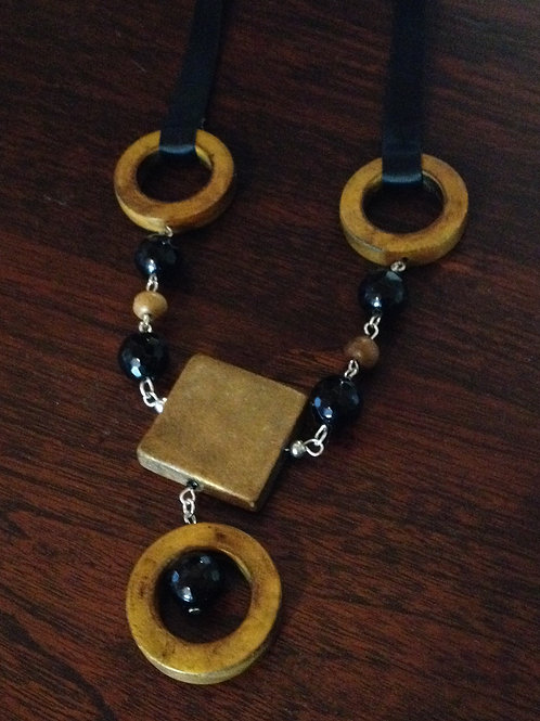 'Earthy' necklace
