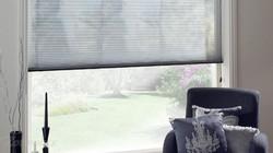 plisse-gordijnen-woonkamer