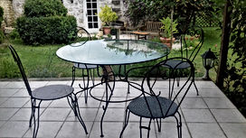 terrasse chairs.jpg