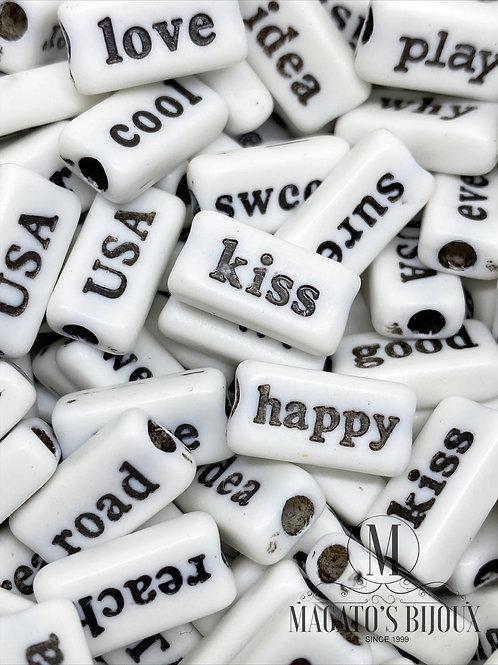 Contas de Palavras Branco C/ Preto