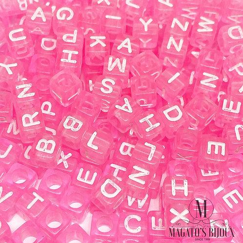 Contas de Letrinhas Rosa Transparente