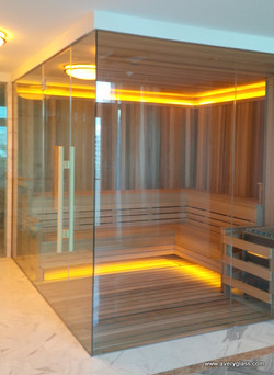 Hotel glass sauna enclosure