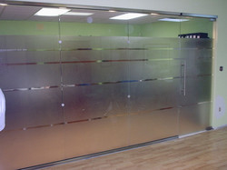 glass office partition with privacy