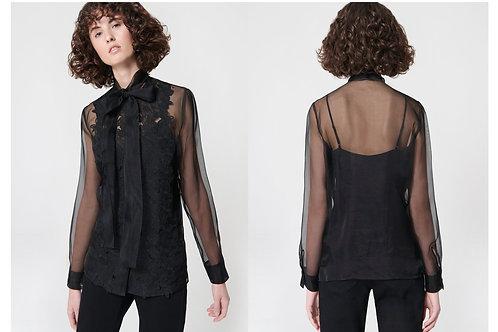 חולצה אלגנטית אריג אורגנזה איטלקי שקוף טכניקת בורדרי אינגלז (Broderie anglaise) משי טהור