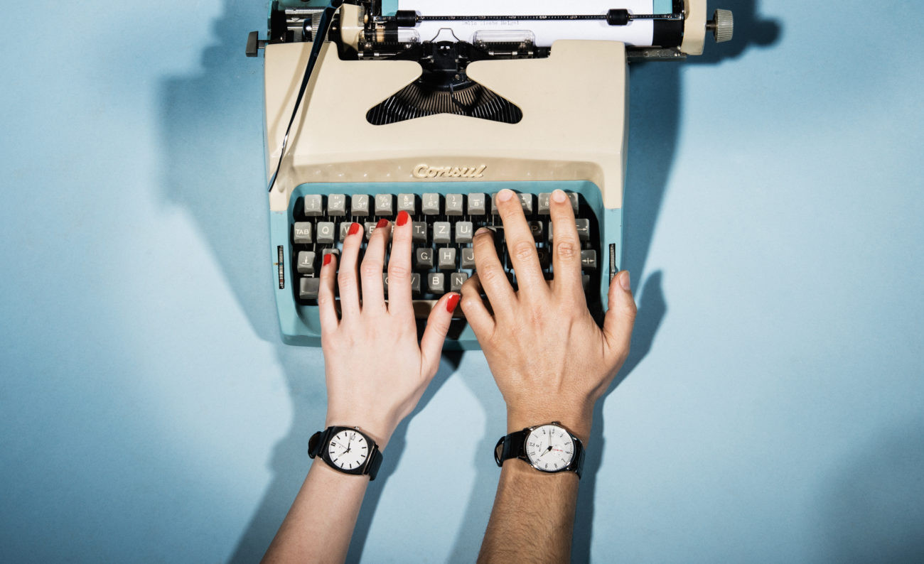 fashion, fashion photograpy, jewelery, style, accessories, color, lifestyle, stills, typewriter, schreibmaschine, together, writing, estura, vlado golub photography