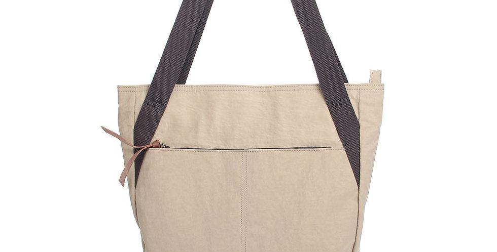 Light brown nylon wrinkled shoulder bag