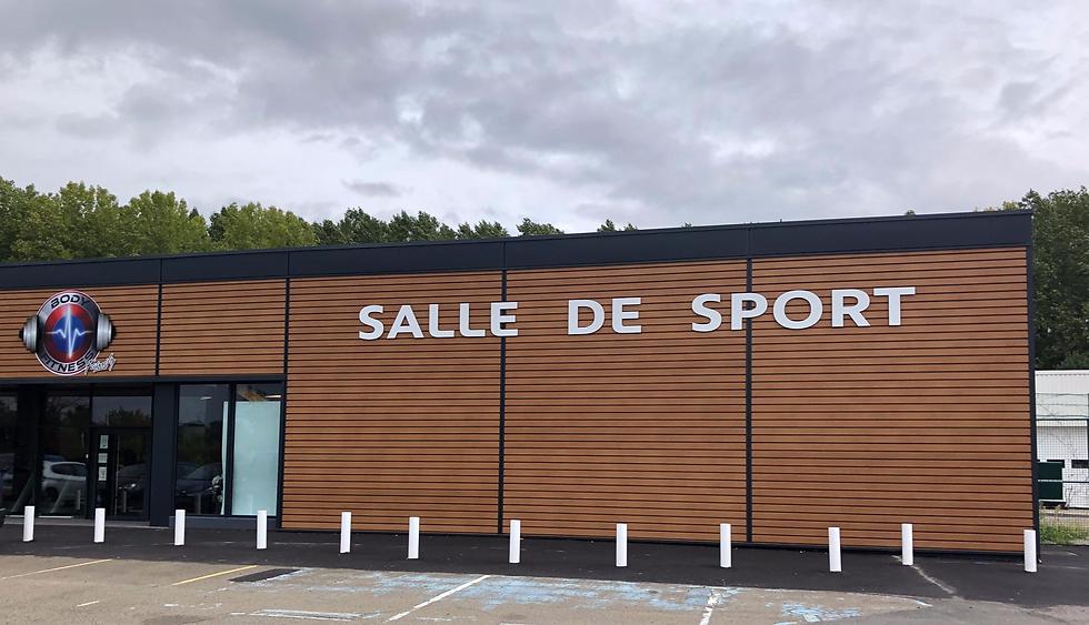 amj-Salle-Sport-Saussay-exterieur-1_edit