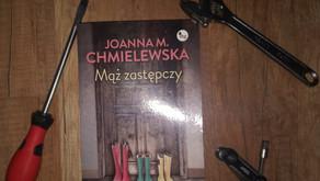 """""""MĄŻ ZASTĘPCZY"""" JOANNA M. CHMIELEWSKA"""