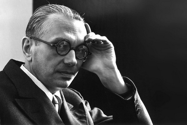 Kurt Gödel, Vacuous Paradoxes and Self-Reference