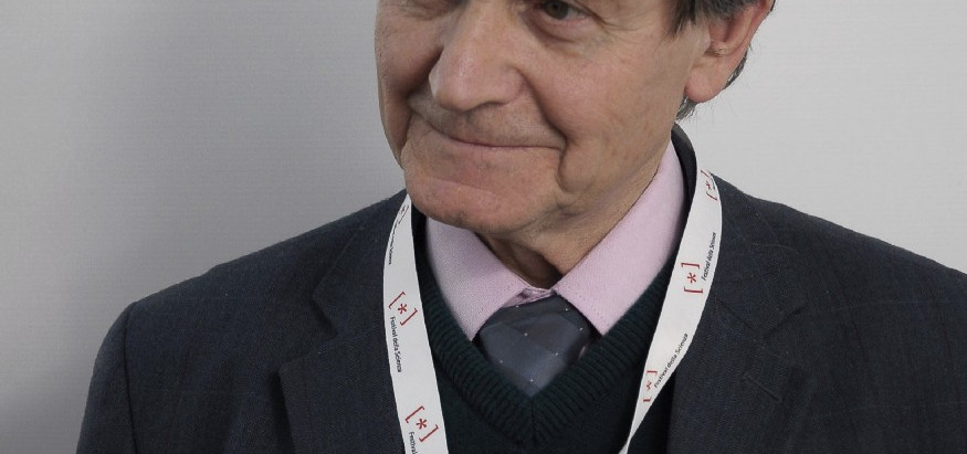 Is Roger Penrose a Platonist or a Pythagorean?
