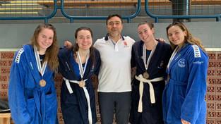 TVE játékosokkal a soraiban szerzett bronzérmet a női junior vízilabda-válogatott