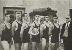 III. Kerület, Budapest edző Komjádi Béla 1917. Gáspár Ferenc, Madách Tibor, Schaffer Henrik, Bory Ti