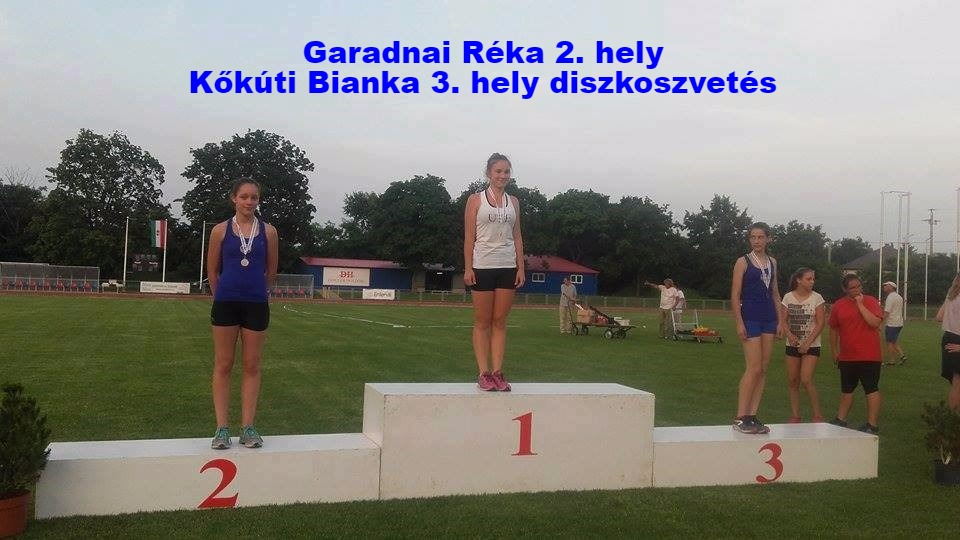 Garadnai_Réka_2._hely,_Kőkúti_bianka_3._hely_diszkoszvetés_edited