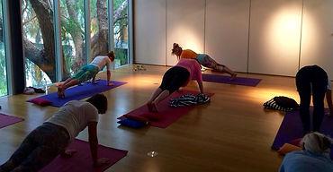 Gruppenstunden Yoga und Coaching