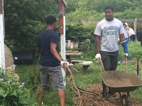 Community Cranes- Cranbrook Football visits the Spirit of Hope Urban Garden