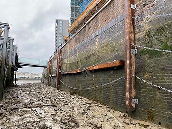 Fulham river wall.JPG