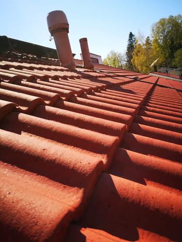 Pesty ja pinnoitettu katto tuo lisää ikää tiilikatolle