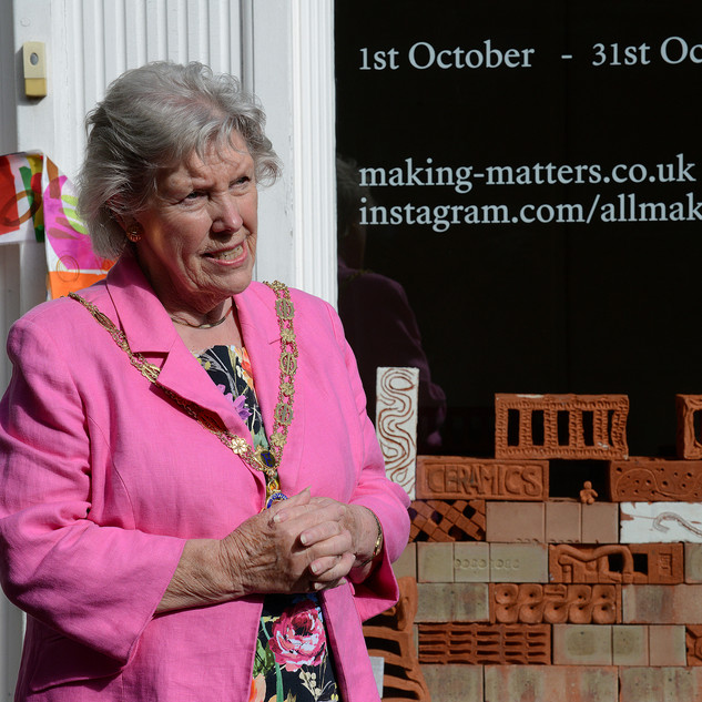 Mayor gives speech to announce beginning of Farnham Craft Month!