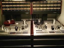 vinatage Analogue tape machine_edited.jp