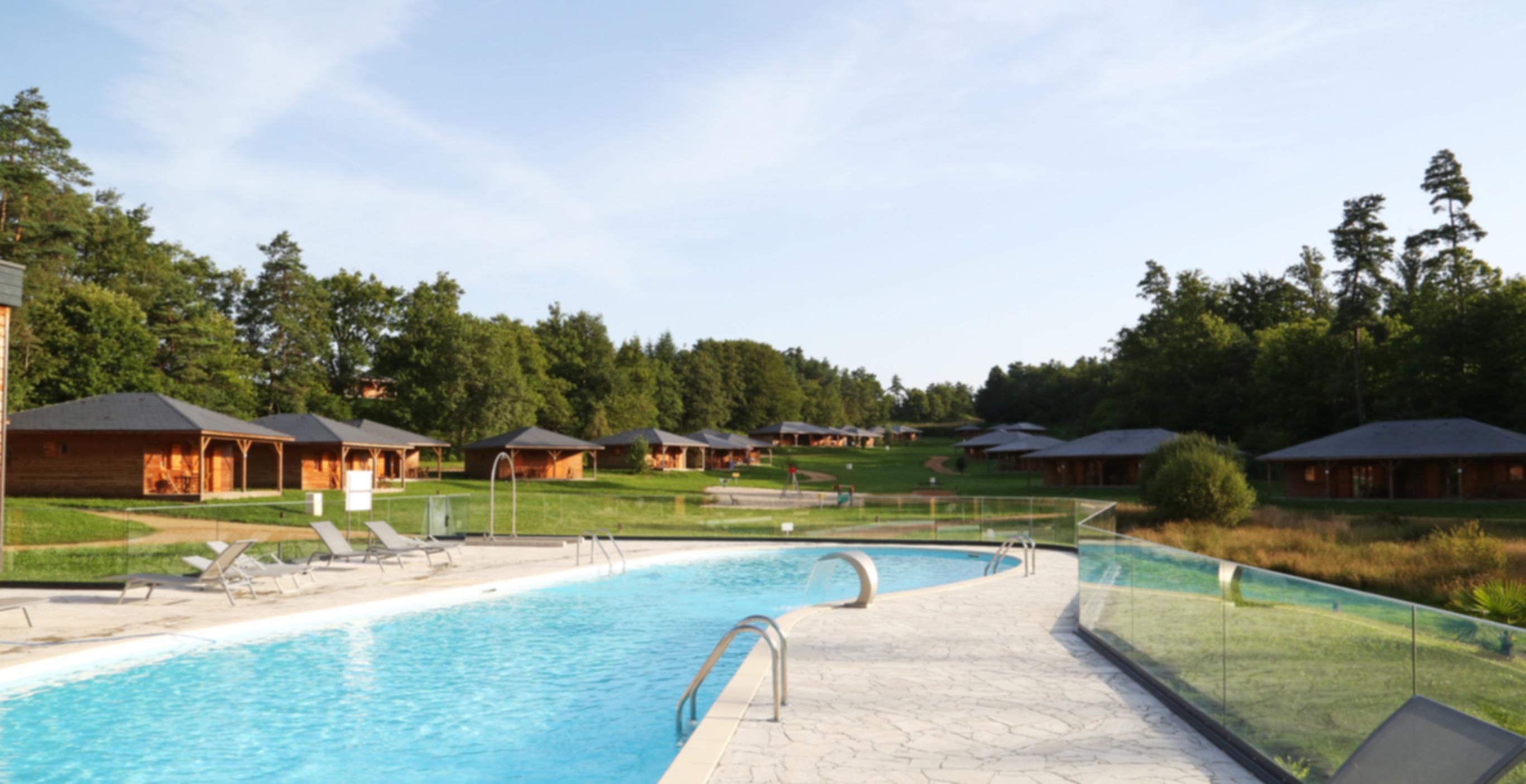 chalets et piscine