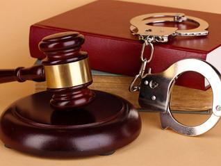 В Чите бывшего сотрудника СКР осудили на четыре года за взятку