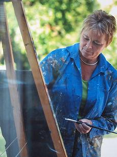 Gerda Louise i haven.jpg