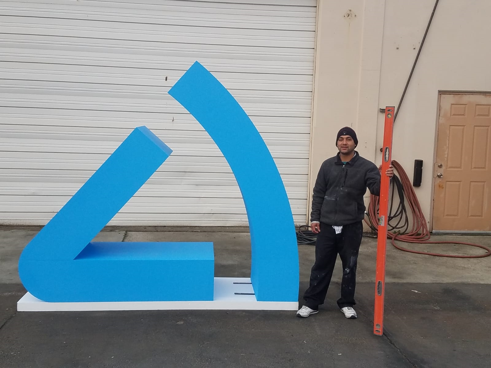 8ft tall Logo