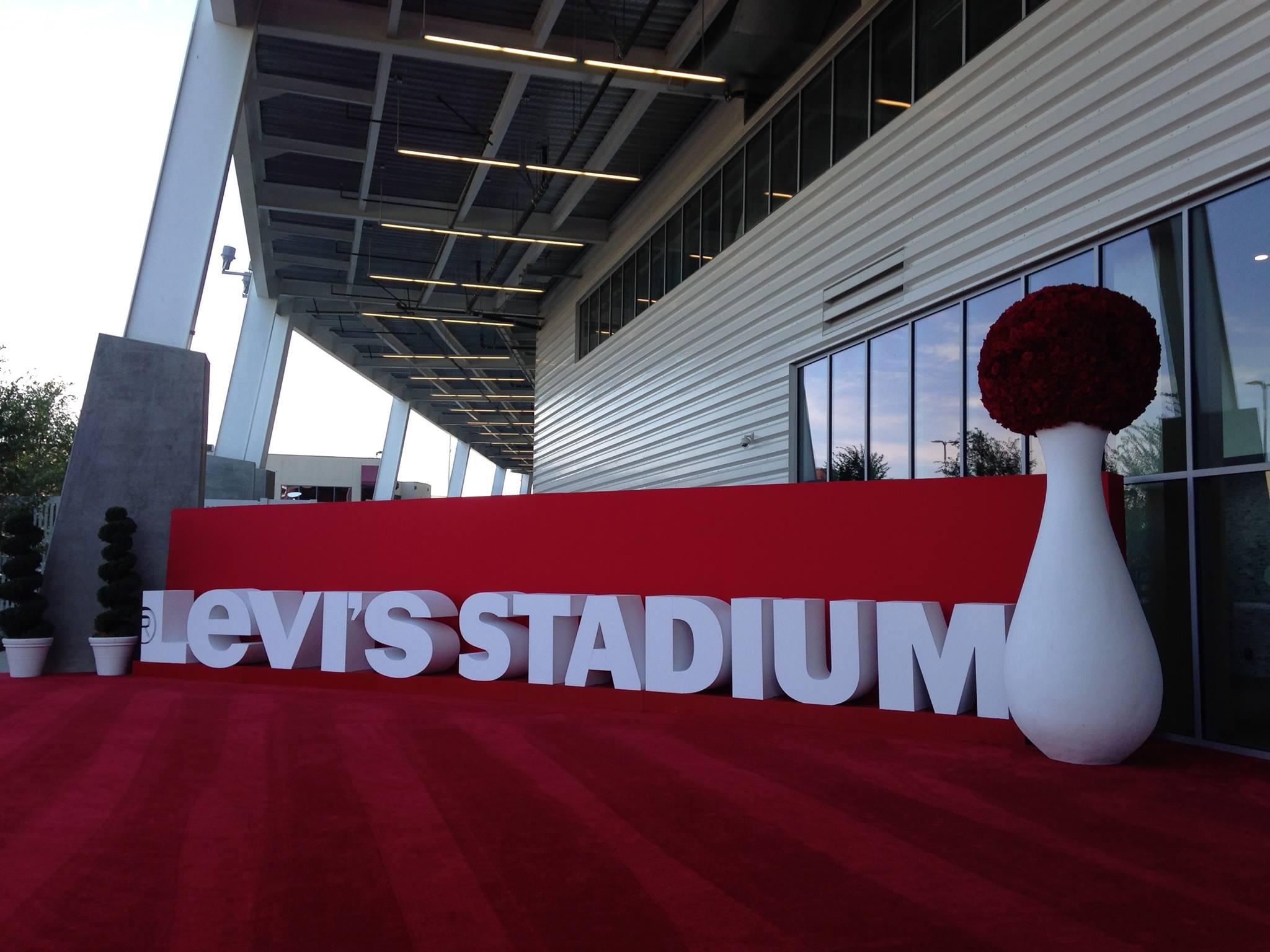 Levis Stadium Sign