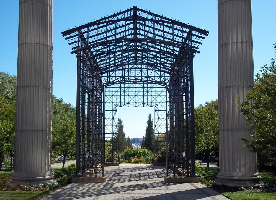 Garden_in_Northeast_Grant_Park_Chicago2_