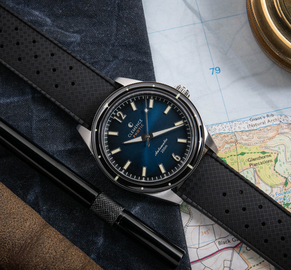 Photic Diver with gradient dial and silver hands