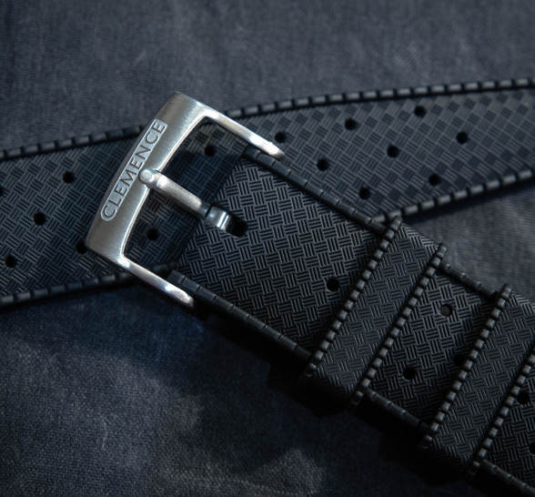 Supple rubber tropic style strap provides premium comfort, while the FKM compound is resistant to the harshest of conditions
