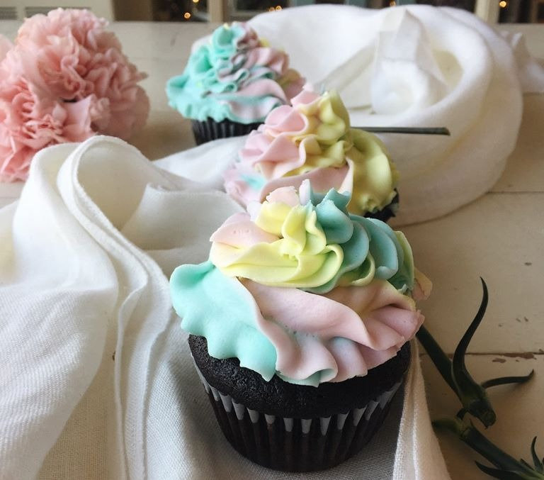 Chocolate Cupcakes with Buttercream