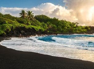 pailoa-beach-maui-908005642_edited.jpg