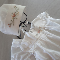 Baby top and bonnet set